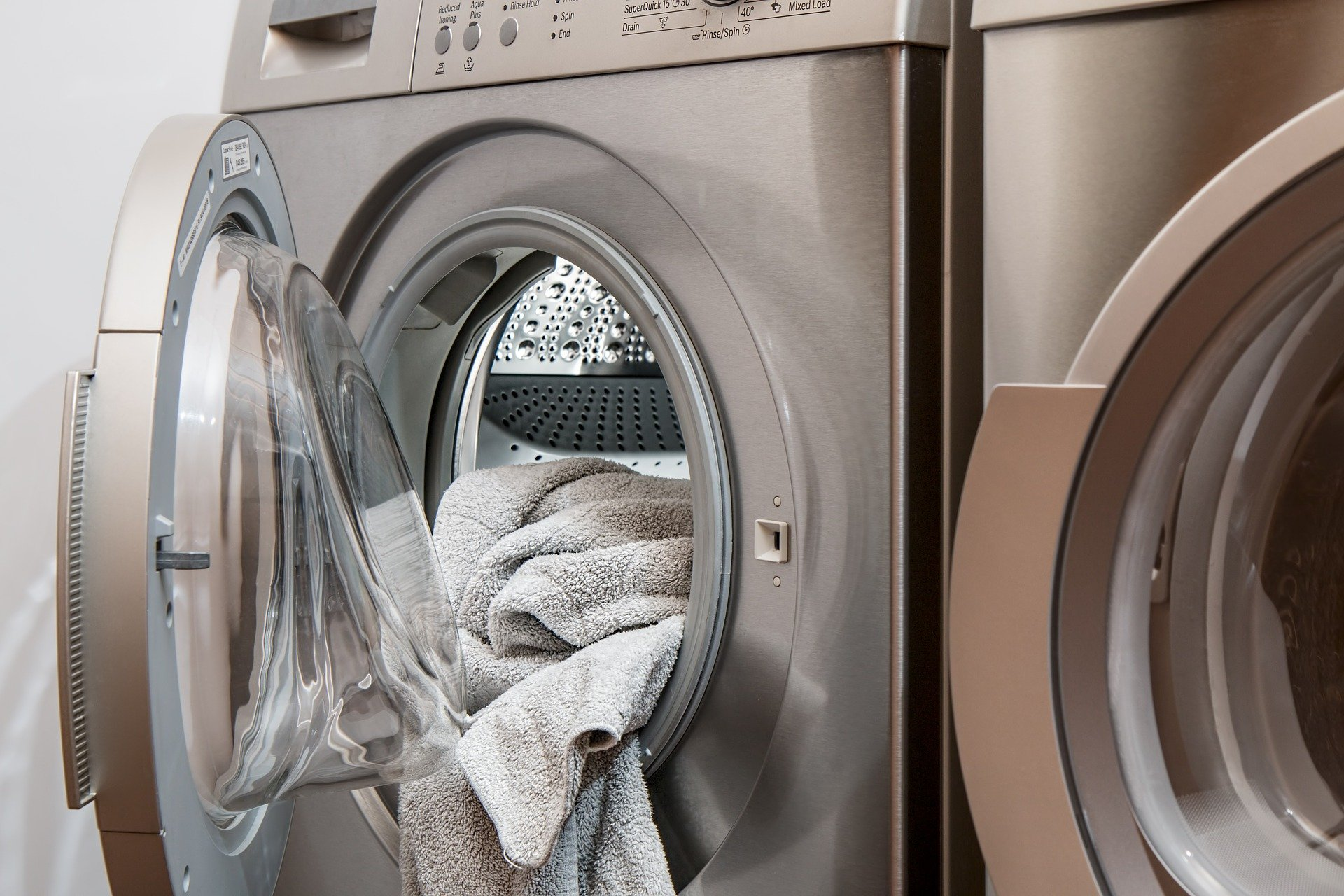 How to Save Energy While Doing Laundry